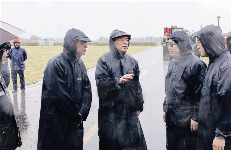 張長平檢查防汛防臺工作