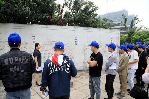 """靖江市组织开展""""与法同行·重塑人生""""主题"""